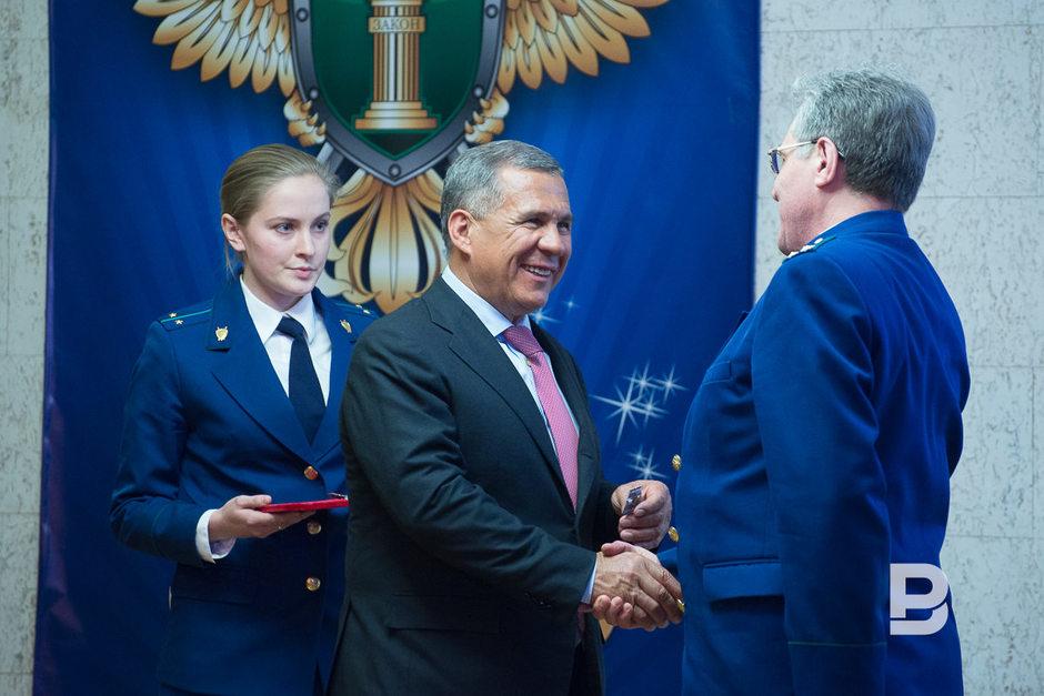 Путин поздравил работников прокуратуры с праздником